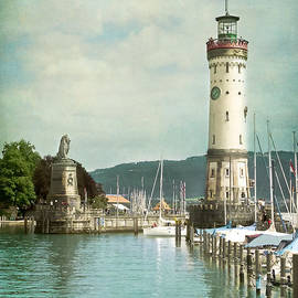 Viaina     - Lighthouse