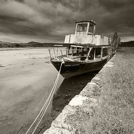 Fiona Messenger - Loch Etive Jetty old boat