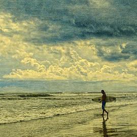 Barbara Middleton - Lone Surfer