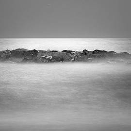 Guido Montanes Castillo - Magical moonlight at the sea