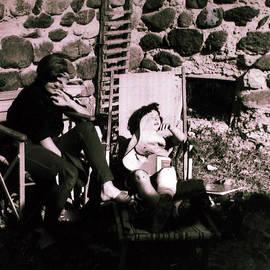 Colette V Hera  Guggenheim  - Mamma Chris and Colette having a well deserved rest  siesta in the garden in Alba France