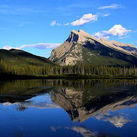 Vickie Emms - Mount Rundle and  Vermillion Lake