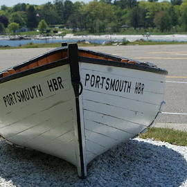 Lois Lepisto - Old Boat