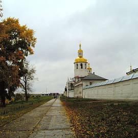 Roman Popov - Old monastery the autumn road