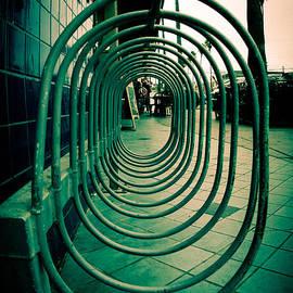 Neil Ratnavira - Pavement Tube