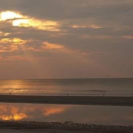Anna Lisa Yoder - Rays of Dawn at Hunting Island