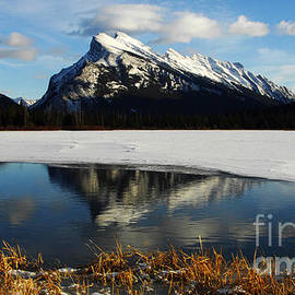 Bob Christopher - Reflections Of Mount Rundle