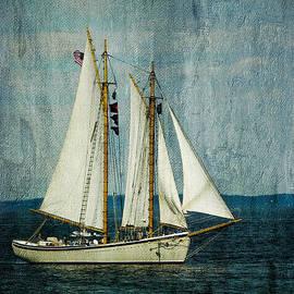 Alana Ranney - Sailing along