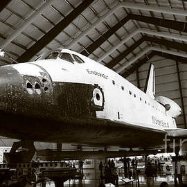 Nina Prommer - Space shuttle Endeavour