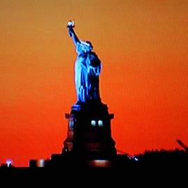 Val Oconnor - Statue of Liberty