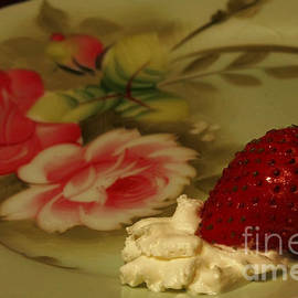 Inspired Nature Photography By Shelley Myke - Strawberry and Cream