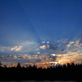 Larry Ricker - Sunbeams at Sunset 2