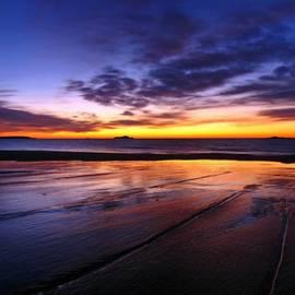 Juergen Roth - Sunrise at Singing Beach