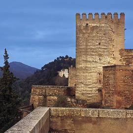 Guido Montanes Castillo - The Alcazaba The Alhambra