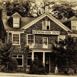 Bill Cannon - The Mermaid Inn - Chestnut Hill