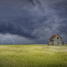 Randall Nyhof - Thunderstorm on the Prairie