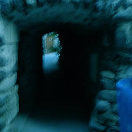 Colette V Hera  Guggenheim  - Tunnel in South france