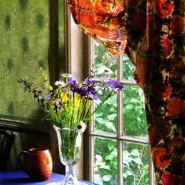 Susan Savad - Vase of Flowers and Mug by Window