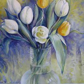 Elena Oleniuc - Vase with flowers