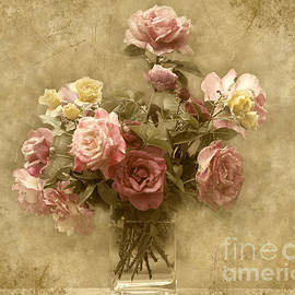 Cheryl Davis - Vintage Roses