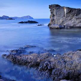 Guido Montanes Castillo - Volcanic reef