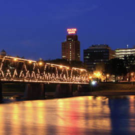 Shelley Neff - Walnut Street Bridge