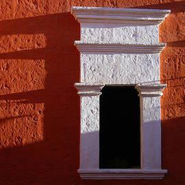 RicardMN Photography - White window