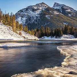 Yves Gagnon - Bow River with Mountain View Banf National Park