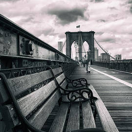 Brooklyn Bridge Mood - Jessica Jenney