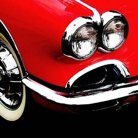 Angela Davies - Classic Corvette