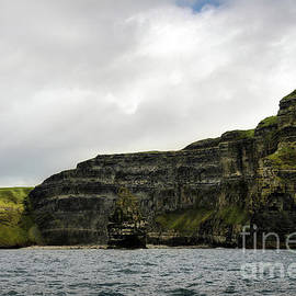 RicardMN Photography - Cliffs of Moher from the sea