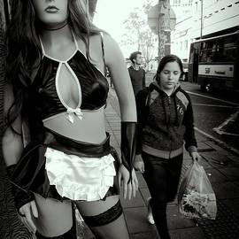 Daniel Gomez - Discreet Ladies