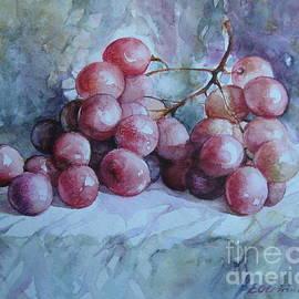Elena Oleniuc - Grapes...