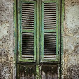 Maria Heyens - Green window shutters