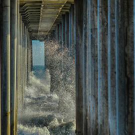 Tommy Anderson - Huntington Beach High Surf 2