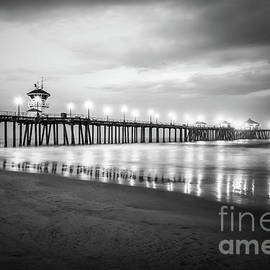 Huntington Beach Pier in Black and White - Paul Velgos