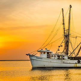 Island Sunrise and Sunsets Pieter Jordaan - Island Girl Shrimp Boat