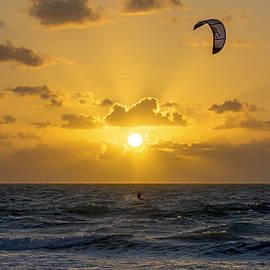 Steve Lipson - Kite Surfing 3323