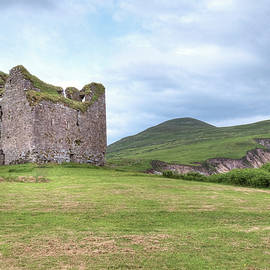 Minard Castle - Ireland - Joana Kruse