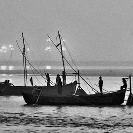 Kim Bemis - Morning Ferry On the Ganges - Allahabad India