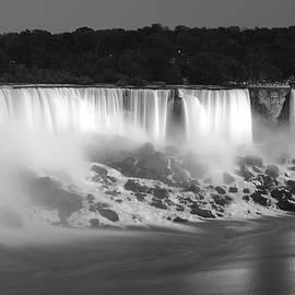 Nick Mares - Niagara Falls at night