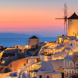 Henk Meijer Photography - Oia on Santorini at Sunset