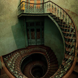Jaroslaw Blaminsky - Old forgotten spiral staircase