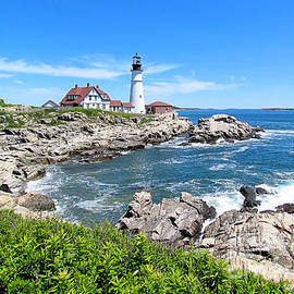 Elizabeth Dow - Portland Head Light