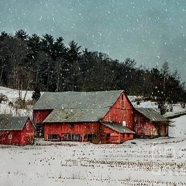 Lisa Hurylovich - Red Barn In Winter