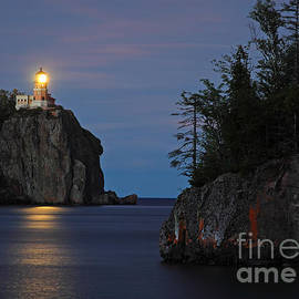 Dale Niesen - Split Rock Lighthouse