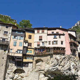 Gregory DUBUS - Suspended village on cliff