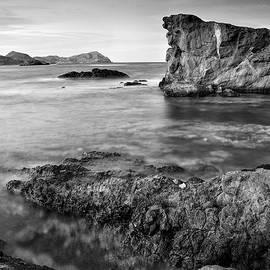 Guido Montanes Castillo - Volcanic paradise