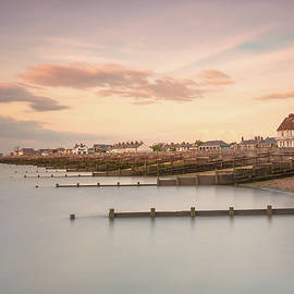Whitstable Bay - Ian Hufton