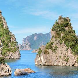 Halong Bay - Vietnam - Joana Kruse